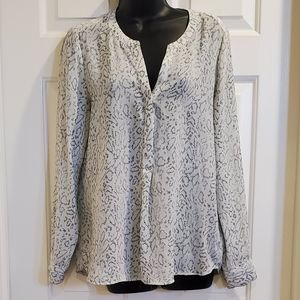 Black and White Snake Pattern Blouse